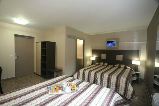 Hotel Arbor - Auberge de Mulsanne : chambre spacieuse