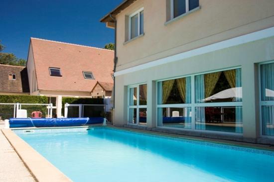 Hotel Arbor - Auberge de Mulsanne : piscine tres agreable