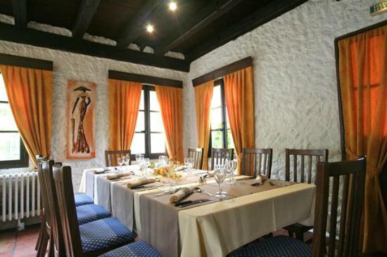 Hotel Arbor - Auberge de Mulsanne : une des 3 salles du restaurant