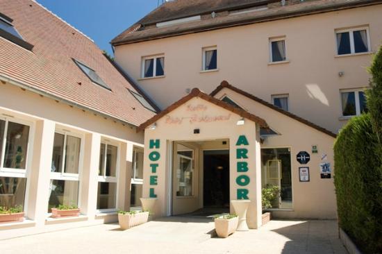 Hotel Arbor - Auberge de Mulsanne : l'entree de l'hotel