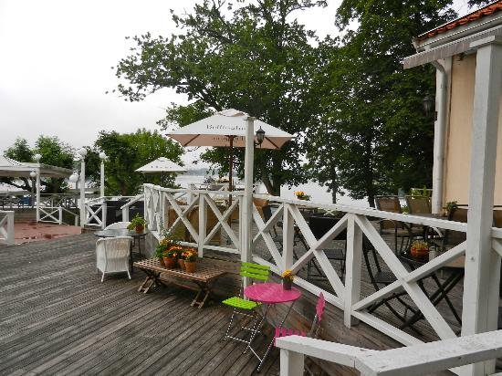 Granso Slott: Hotel's deck.  Wish the weather was nicer.