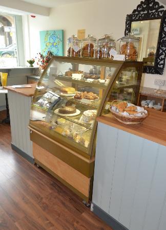 The Orangerie Brasserie and Patisserie: Scrumptious Cake Counter