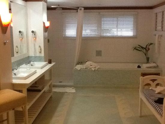 Couples Negril : beach front bathroom #6201