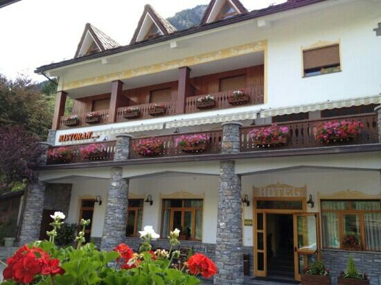 Hotel Beau Sejour: Esterno dell'hotel