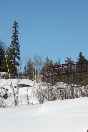 Onaping Falls : The bridge over the falls - I didn't take a picture of the whole fall