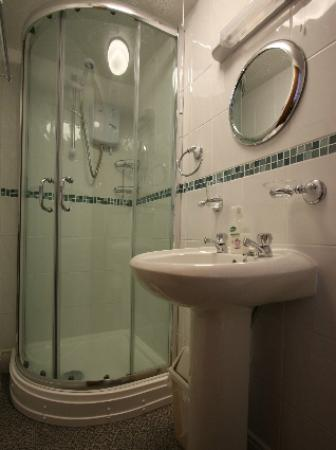 Seaway Guest House: Typical Shower Room