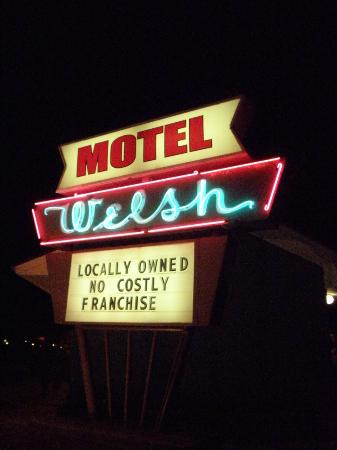 Welsh's Motel: Neon - how can you go wrong?
