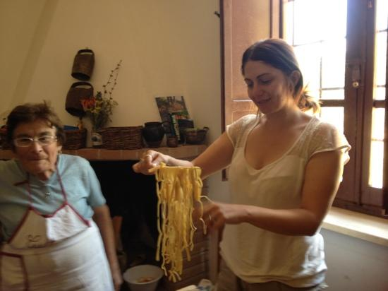 Wild Foods Italy: Making pasta,