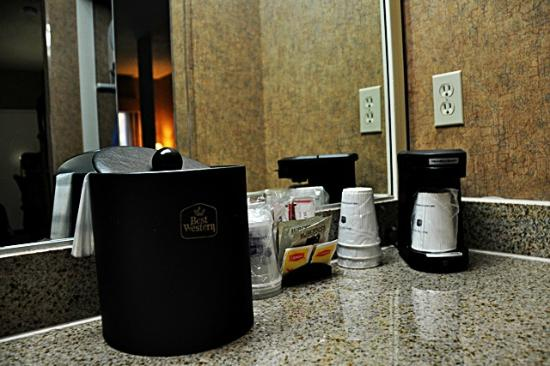 Best Western Plus Park Place Inn - Mini Suites : Coffee Corner
