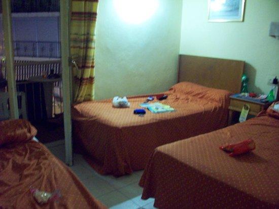 Residencial Bristol Hotel: beds