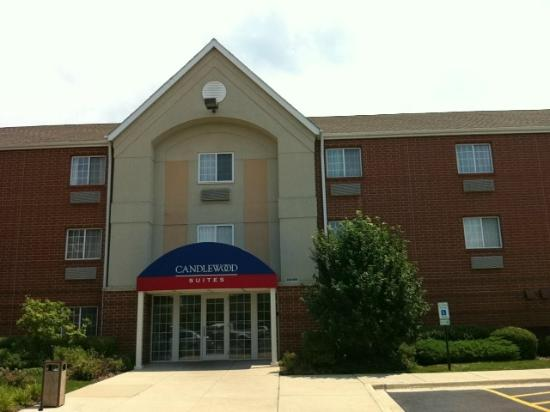 Candlewood Suites Chicago/Naperville: Wonderful Hotel. The best I've stayed in.