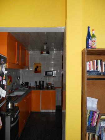 Live Mvd Hostel : Cocina - comedor