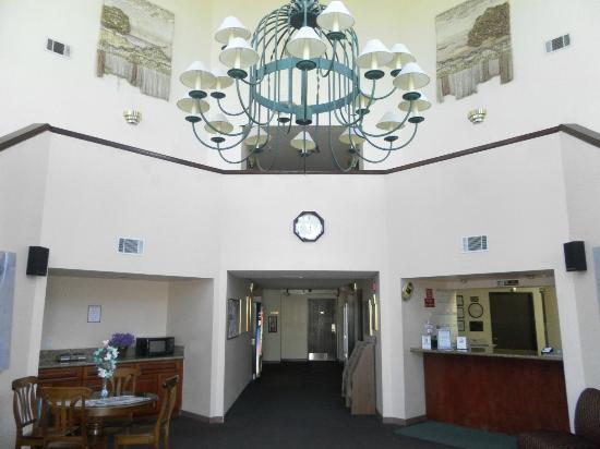 Ocean Gateway Inn: Lobby