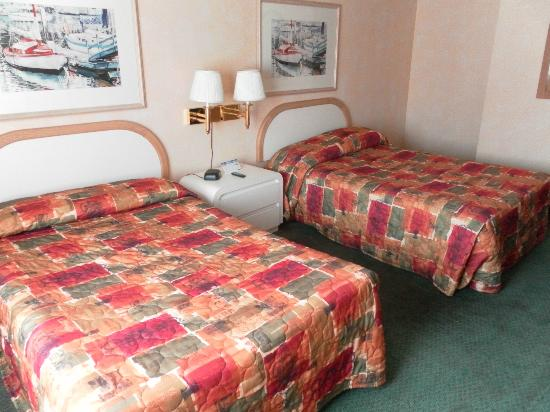 Ocean Gateway Inn: Room with 2 Beds