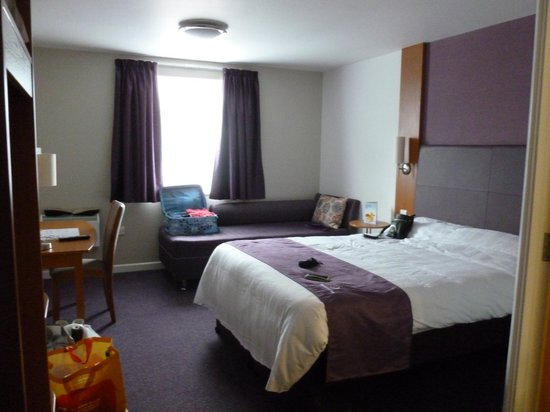 Premier Inn Weymouth Seafront Hotel: Room 3/3