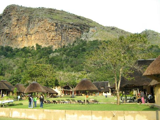 iNtaba River Lodge: VIEW OF LODGE