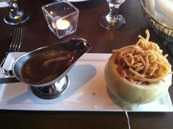 Montarra: French Onion Soup - simply amazing!