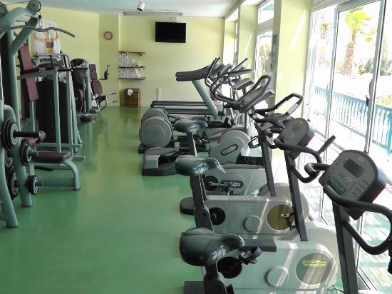Robinson Club Daidalos: Fitnessraum mit guten Geräten aber ohne Klimaanlage