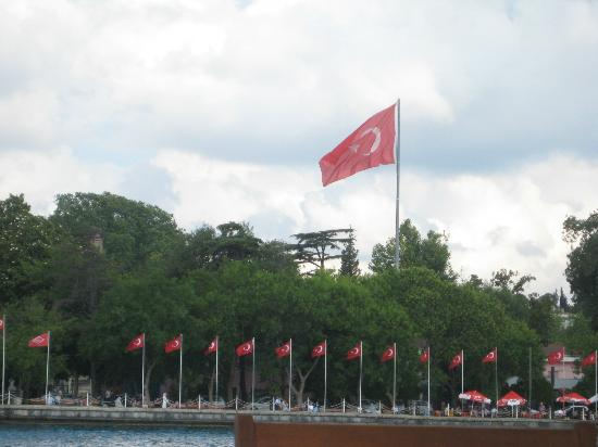 Byzas Tours: Turkish flags along the Bosphorus