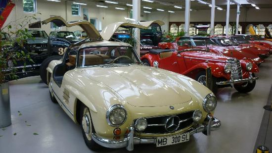 Auto-und Uhrenwelt: Mercedes