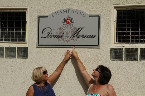 Champagne Domi Moreau: The Domi-Moreau Plaque
