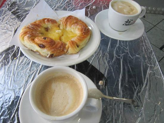 Basilica Square : Complementary breakfast (That's the quality what you get)