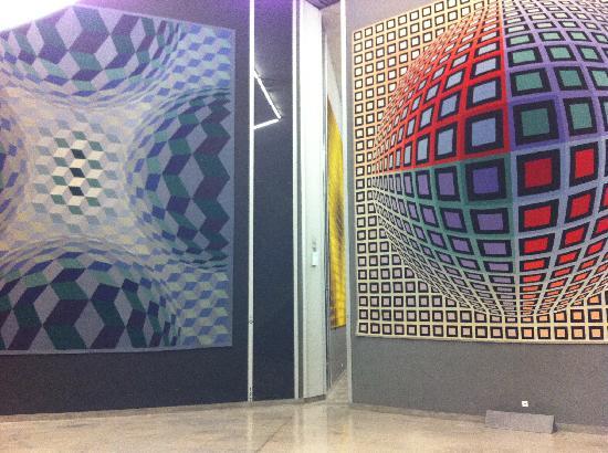 Foundation Vasarely: Gigantic