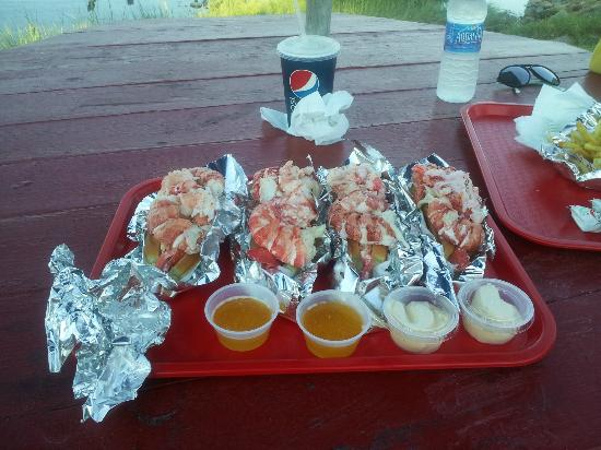Red's Eats: Wicked good lobster rolls
