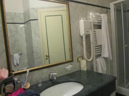 Hotel Donatello: bagno