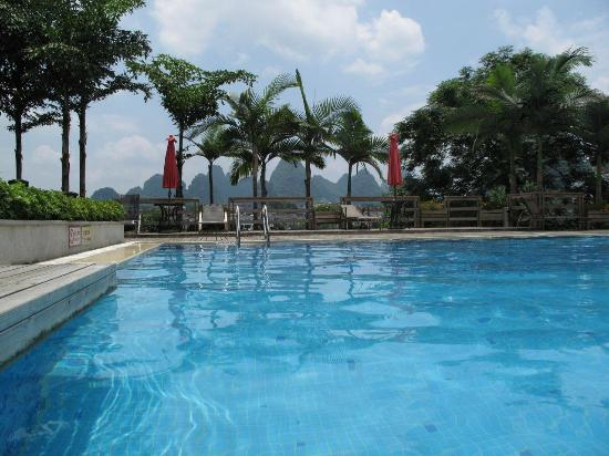 Green Lotus Hotel: Blick auf Pool & Umgebung