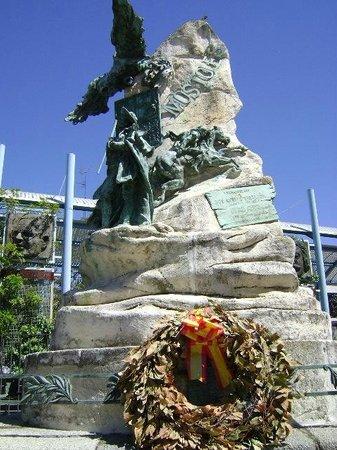 Monumento a Andrés Torrejón