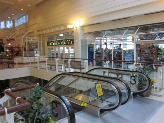 Mayflower Park: Westgate Center