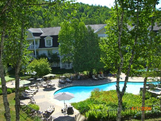 Chateau Beauvallon Mont Tremblant: Pool