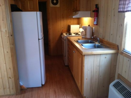 Raccoon Mountain RV Park and Campground: kitchen area