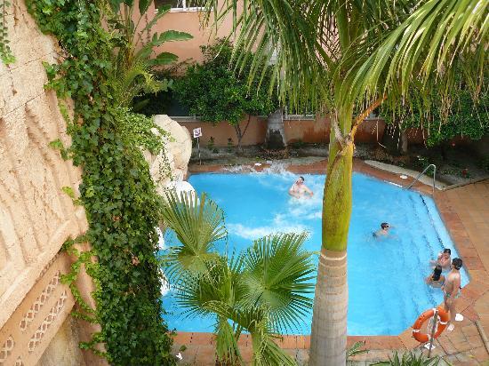 Piscina de toboganes picture of playacalida spa hotel for Toboganes para piscinas