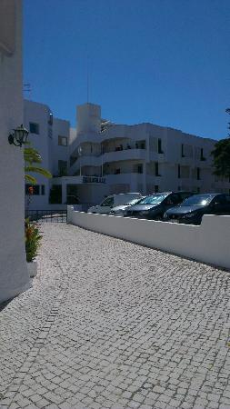 Sollagos Apartamentos Turisticos: View from front of hotel