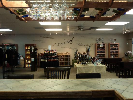Old Stone Winery: Great place to BE and try out!
