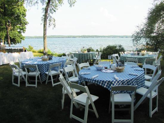 Grey Rock: Tables set for a New England Lobster Bake