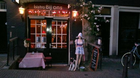 Bistro Bij Ons: Traditional Dutch lunch and dinner, near the Anne Frank House