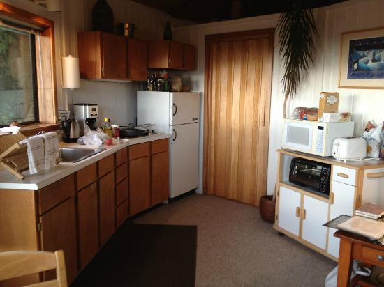 Windsong Cottage: Kitchenette