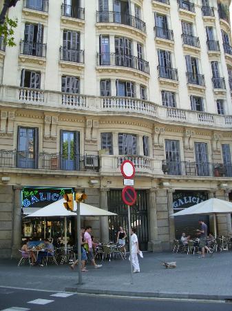 BCN eixample hostel: Vista de entrada del Hostel 