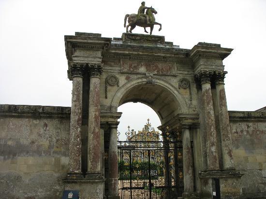 Entrance Gate to Wilton House