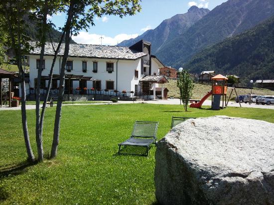 Hostellerie Le Lievre Amoureux: Bel panorama