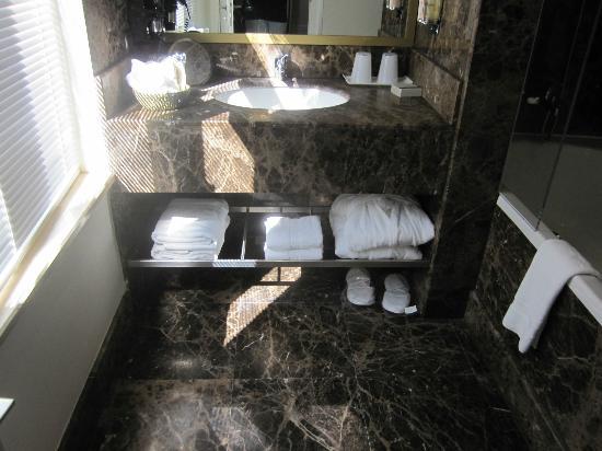 Misafir Suites 8 Istanbul: Bathroom