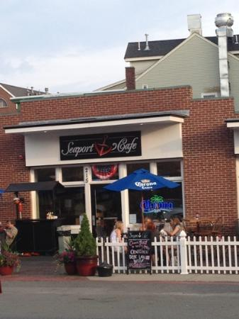 Brodies Seaport: great place for dinner!