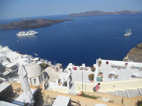 Zacharakis Studios: Another beautiful view from Thira