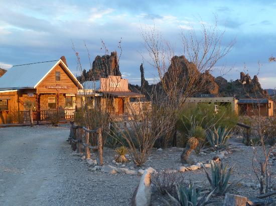 Ten Bits Ranch: Looking across from the rooms