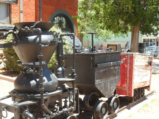 Bisbee Trolley Tours: outside the Copper Mine Museum