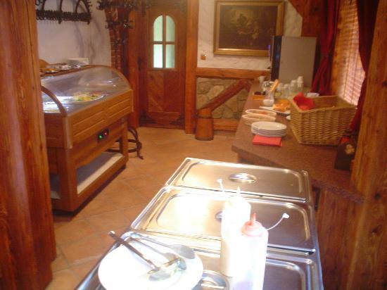 Hotel Katharein : Breakfast serving area.