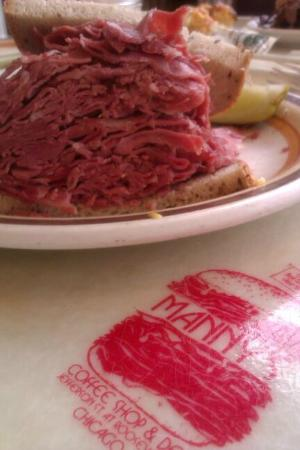 Manny's Cafeteria and Delicatessen : Manny's Corned Beef